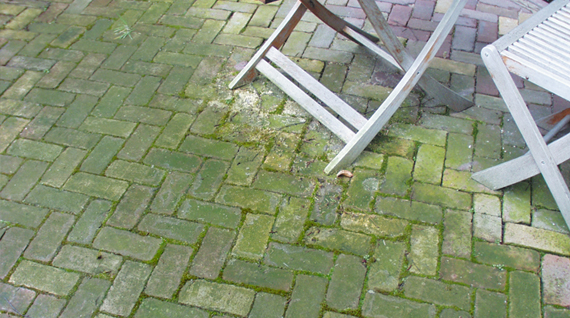 How to remove green deposits