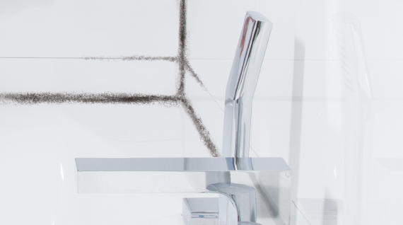 How to remove mould in bathroom